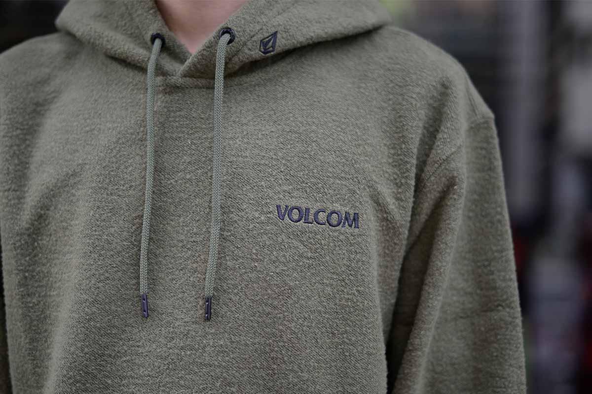 【BLACK FRIDAY 20%OFF】 VOLCOM ボルコム メンズ プルオーバーパーカー A4132013 Midfright P/O