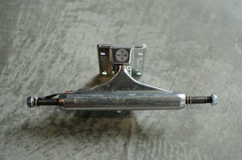 【インディ・INDY】 INDY Forged Hollow Standard 149 [SIL] スケートボード スケートパーツ トラック