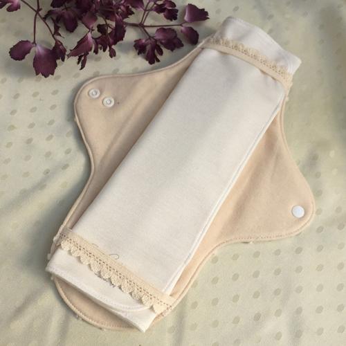 布ナプキン[普通の日・多い日用] ハンカチMサイズ 3折シルク ステッチ仕上げ【ネコポス可】