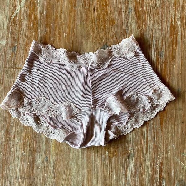 絹糸紡 シルク 1分丈ショーツ「テレコリブ×レース」 草木染め 9紫苑【ネコポス可】