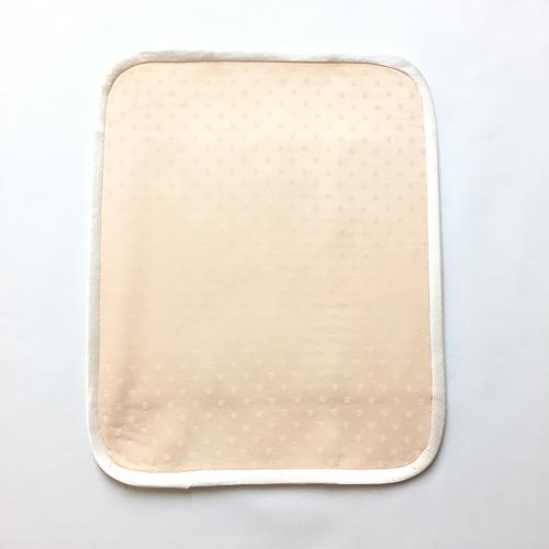 薬効染めシルク ハンカチLサイズ3つ折り(茜染め:ピンク)【ネコポス可】