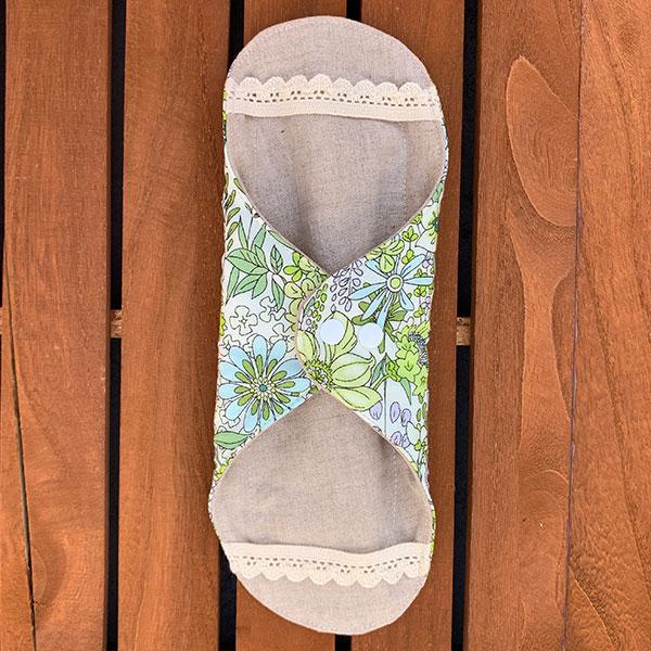 布ナプキン[軽い日・普通の用] 可愛い花柄ホルダーSサイズ 防水あり 肌面オーガニックリネン 艶やかな花々ライトグリーン【ネコポス可】