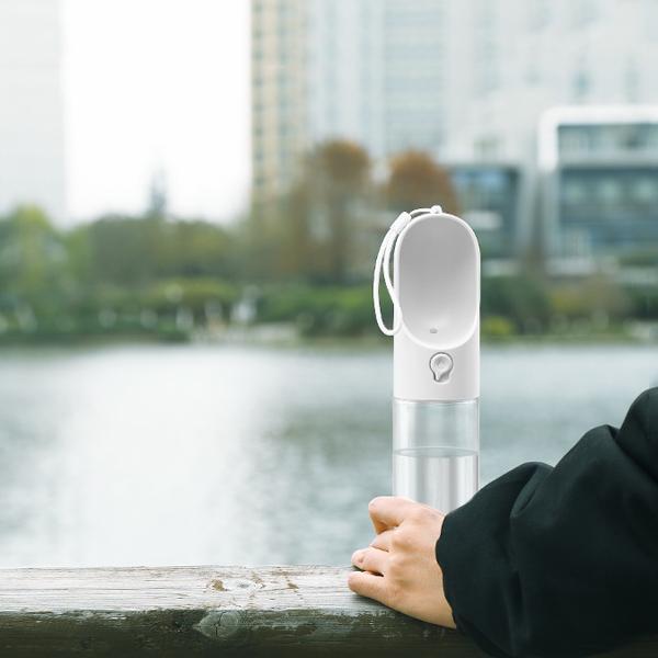 ワンタッチ ウォーターボトル/300 3色 【犬用携帯給水器】