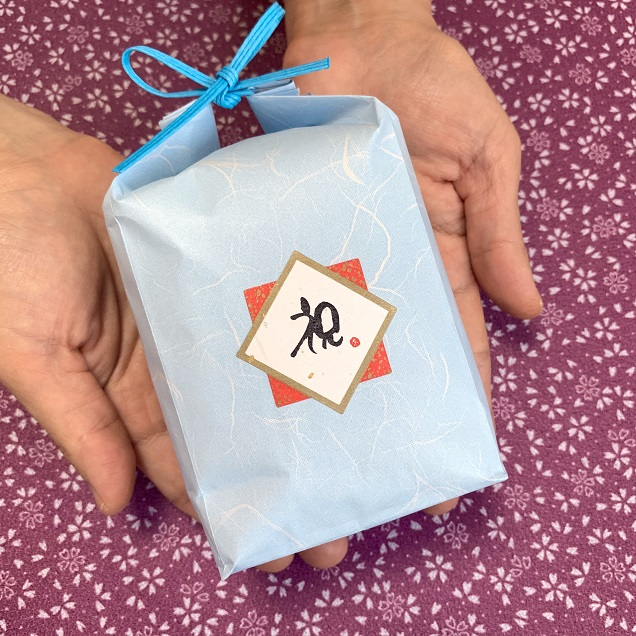 お祝い用 お米のノベルティ品(紙袋/シール付/約3合・450g)