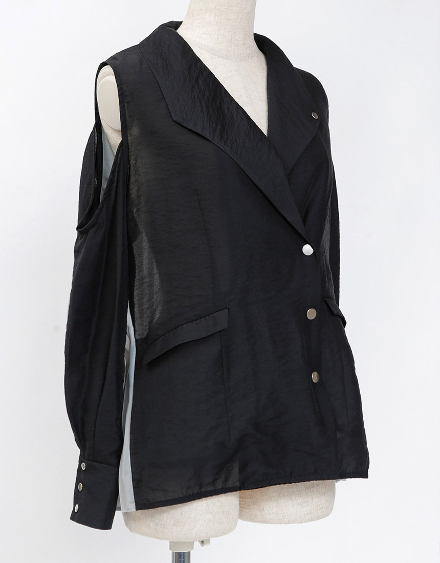 Back pleats jacket