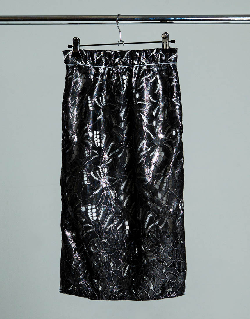 Metal race taught skirt
