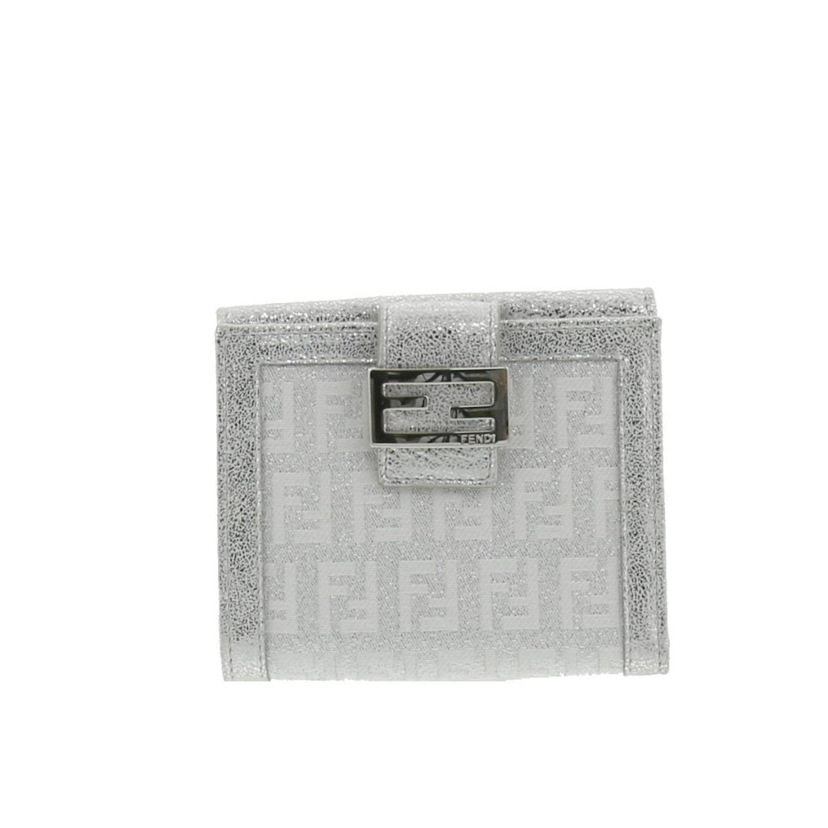 【中古】FENDI (フェンディ) 二つ折り財布 財布 二つ折り財布(小銭入有) Wallet Silver FREE used:B