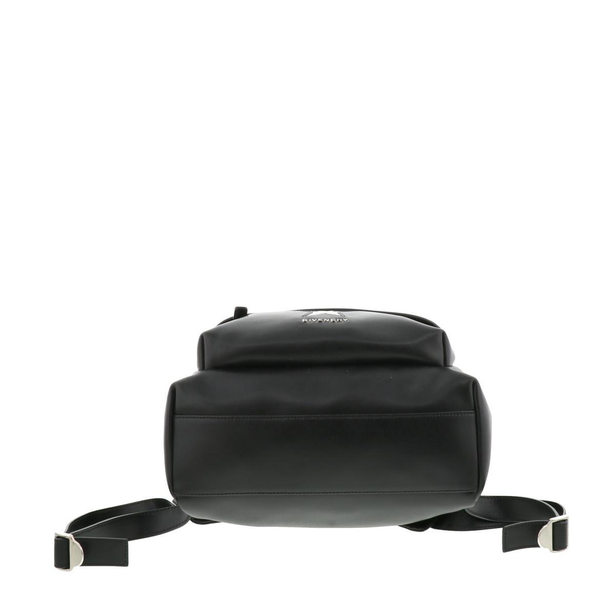 【お値下げ品】【即日発送・水曜定休日・木曜発送】【中古】GIVENCHY (ジバンシー) スターパッチ スモールレザー バックパック バッグ リュックサック/デイパック スターパッチ Black/ブラック BB05533655 used:B
