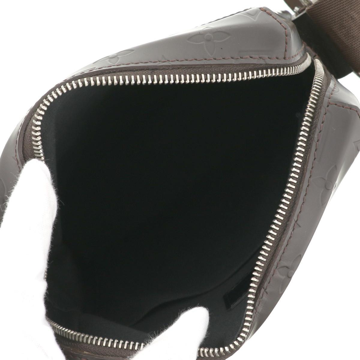 【中古】LOUIS VUITTON (ルイヴィトン) ボビー バッグ ショルダー/メッセンジャーバッグ  Brown M46520 used:B