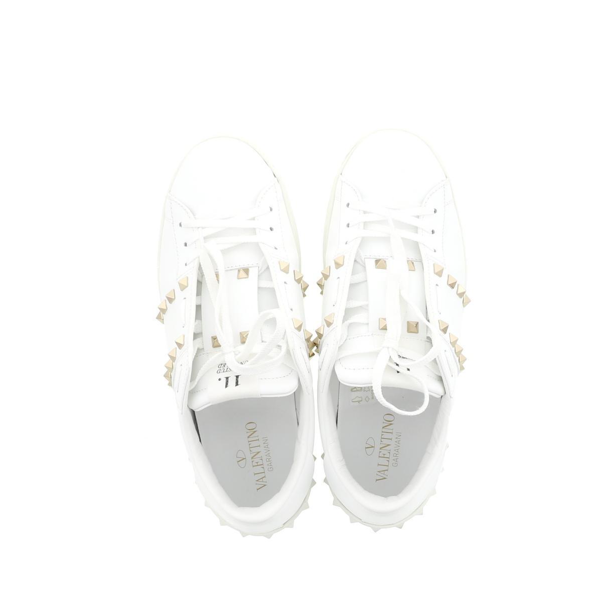 【即日発送・水曜定休日・木曜発送】【中古】【RI】VALENTINO (ヴァレンティノ) ロックスタッズ アンタイトルド スニーカー 靴 靴/メンズ ロックスタッズ White/ホワイト
