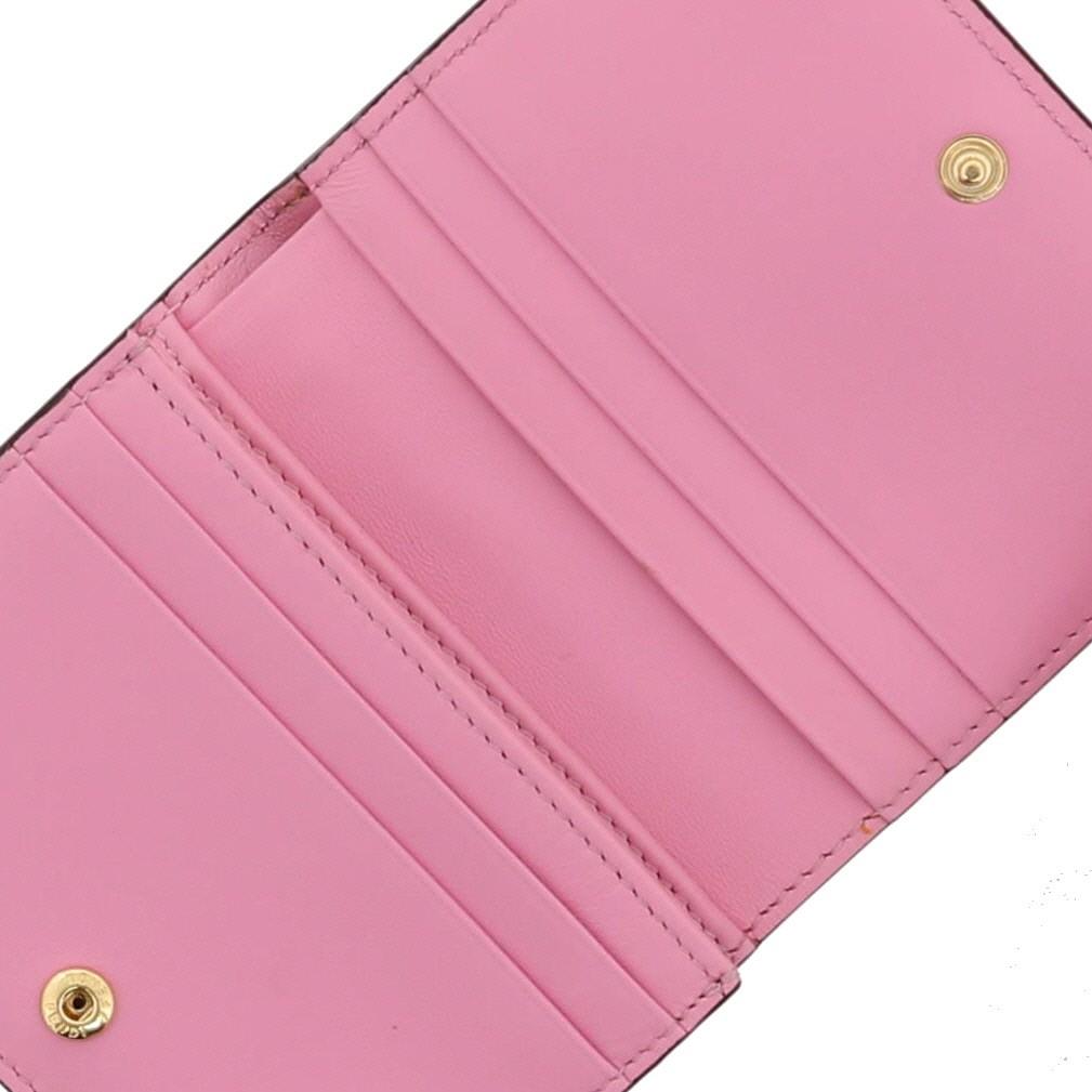 【即日発送・水曜定休日・木曜発送】【美品】【オススメ】【RI】  FENDI (フェンディ) 二つ折り財布 財布 二つ折り財布(小銭入有)  Pink/ピンク 8M0420 used:A