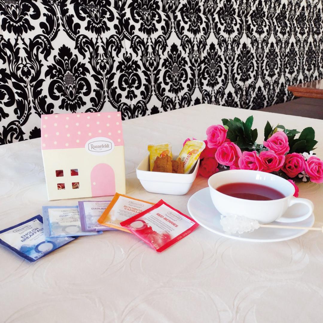 ロンネフェルト プチギフト ティーハウス<br>ギフト ティーバッグ 人気 家 女子 紅茶 かわいい お菓子 ミニ ちょっとした 土産 ブランド ドイツ お返し おすすめ おしゃれ 御礼 誕生日 配る 同僚 ホワイトデー ロータス キュート 映え ピンク
