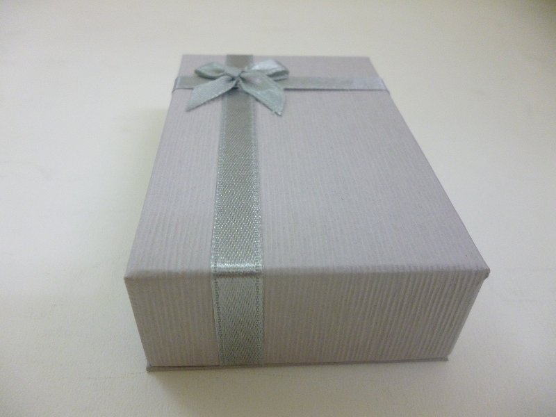 〔No.8740G〕ネック用リボンBOX グレー (12個入り)