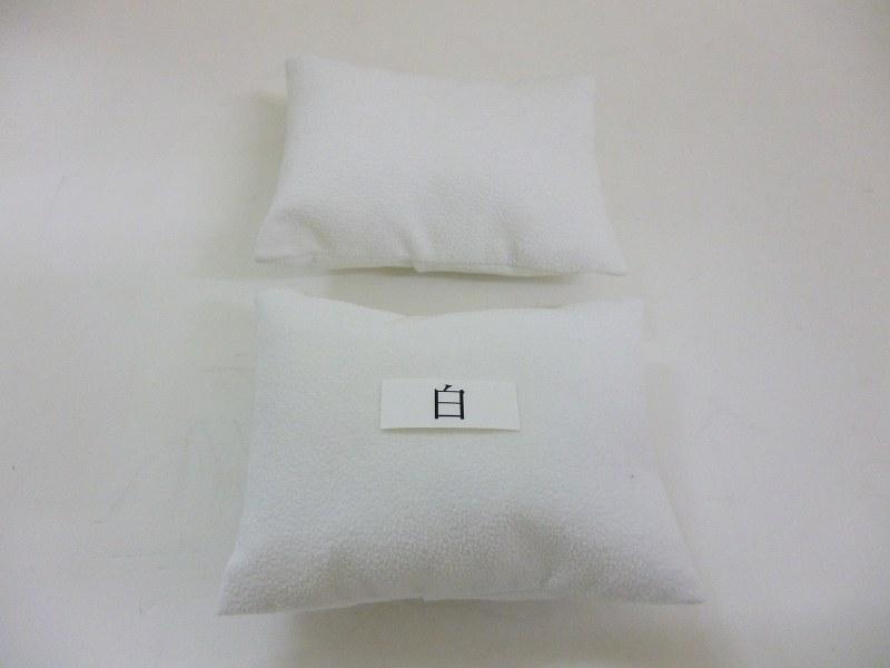 〔No.9435〕布製クッション2個入り (黒、白、ベージュ(肌色)、グレー)