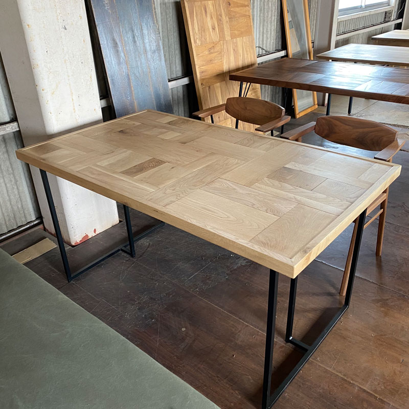 DOOKIE Dining Table 展示現品