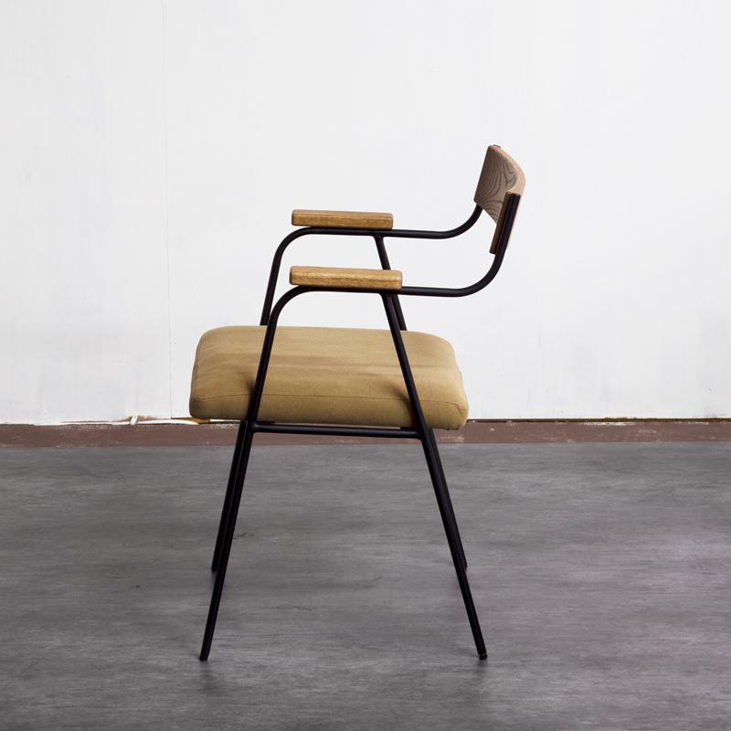 Razzle Chair 02 Oak