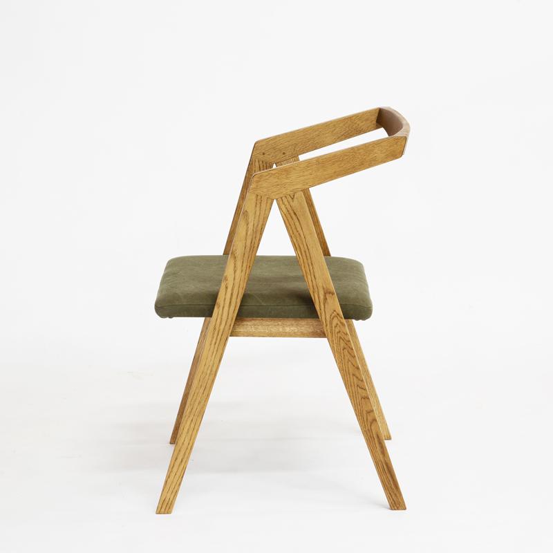 Booker.T Chair Oak