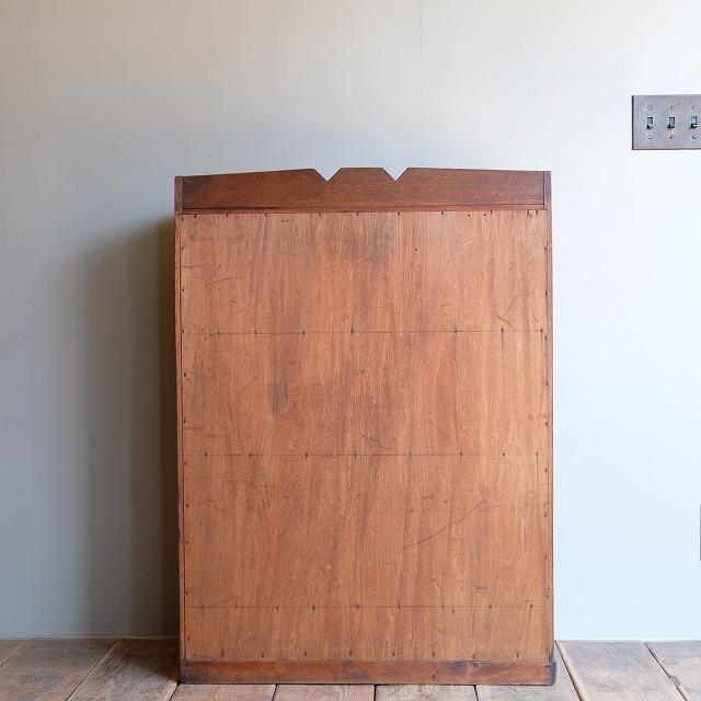 収納棚 板戸