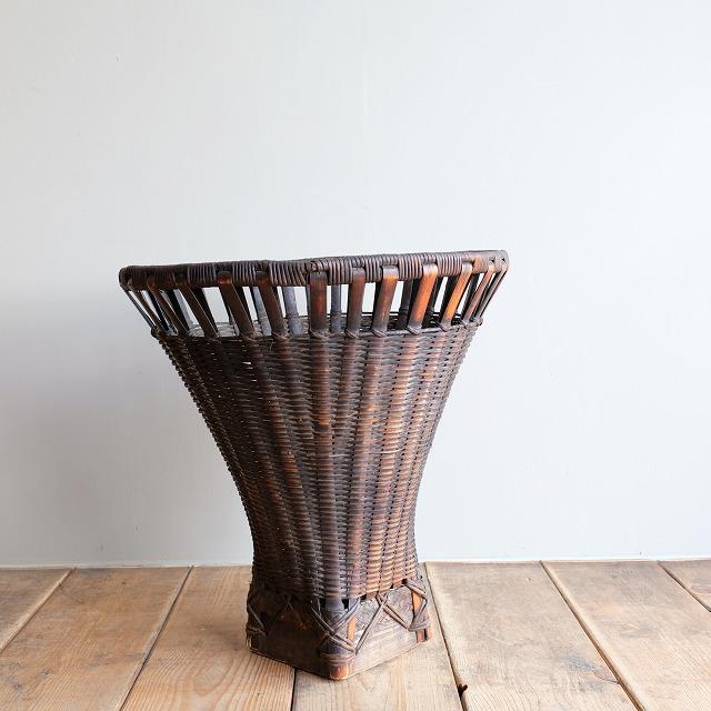 染め竹の籠 民藝