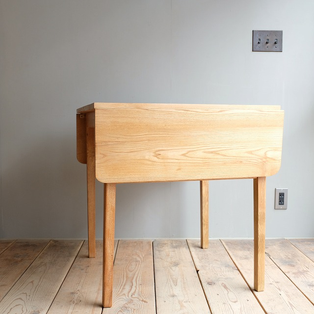 バタフライテーブル