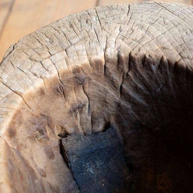 木のオブジェ 刳り貫き