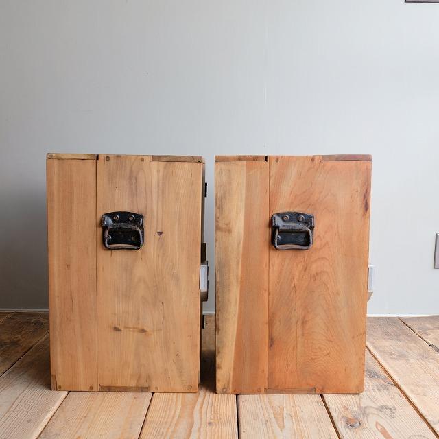 銭湯の鍵 収納棚