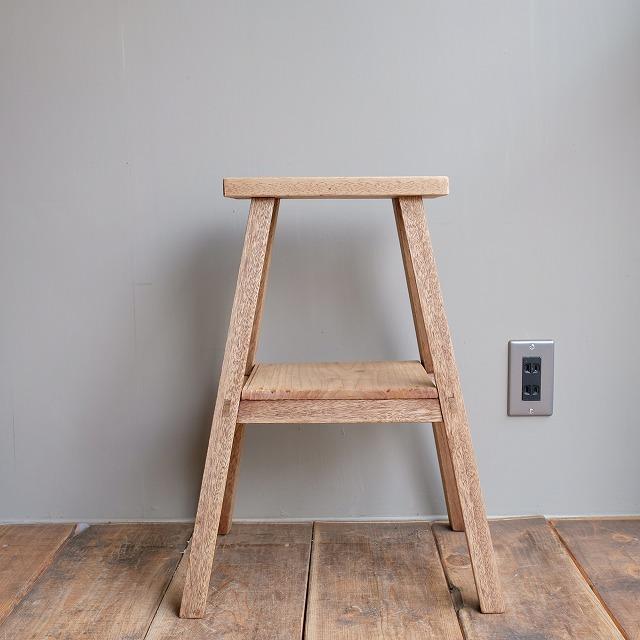 木の台 腰掛け