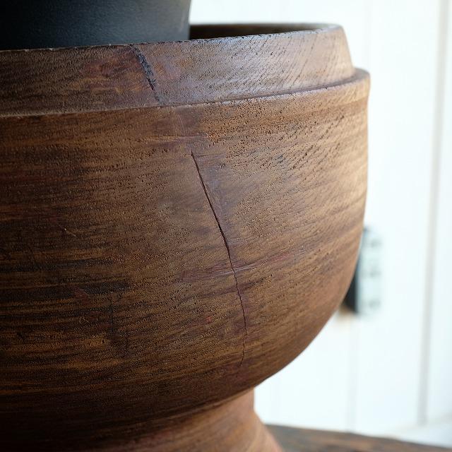高台の木鉢