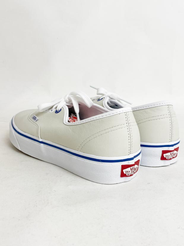 VANS AUTHENTIC BUTTER LEATHER  / TRUE WHITE