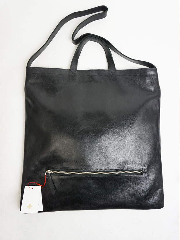 PIUORO SQUARE SHOULDER BAG BLACK
