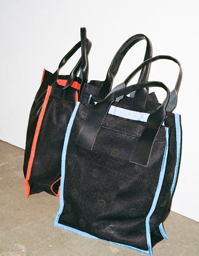 Dot Rubber Mesh Tote Bag / blue
