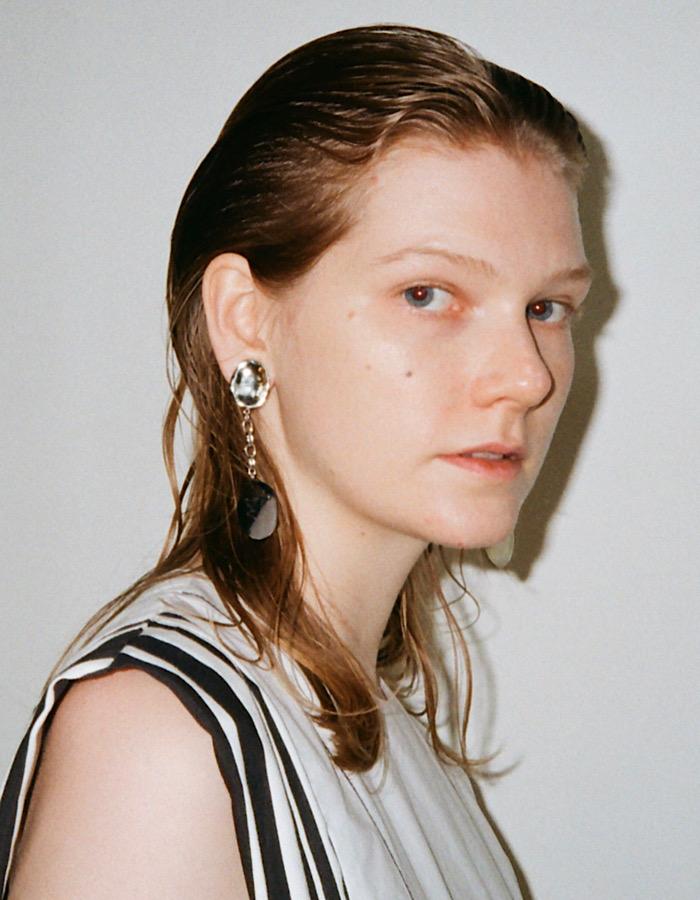 Pendulum Pierced Earrings / silver