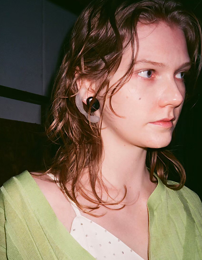Symbolic Pierced Earrings / clear