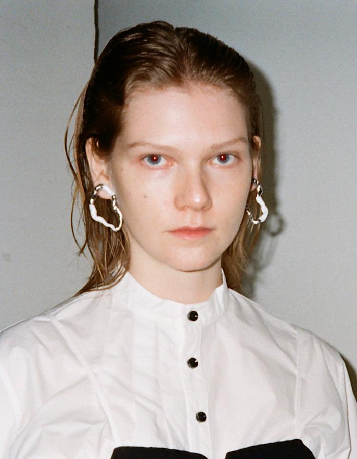 Deformation Pierced Earrings / white