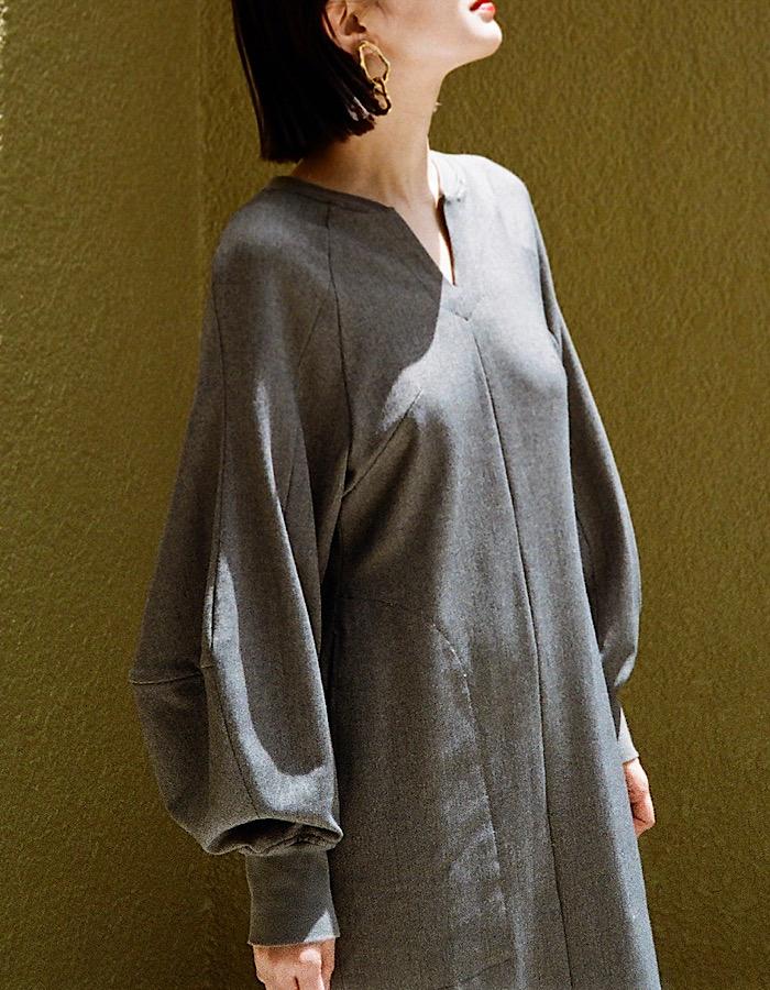 Volume Sleeve Stretch Dress / brown