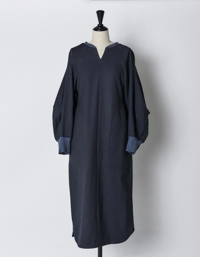 Volume Sleeve Stretch Dress / black