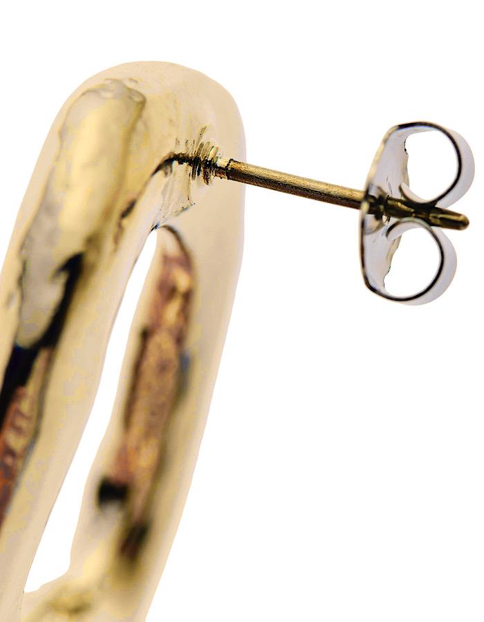 R Letter Pierced Earrings / gold