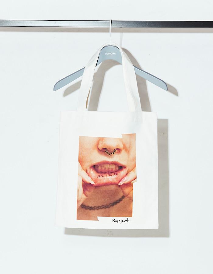 Lip Photo Tote Bag / ivory