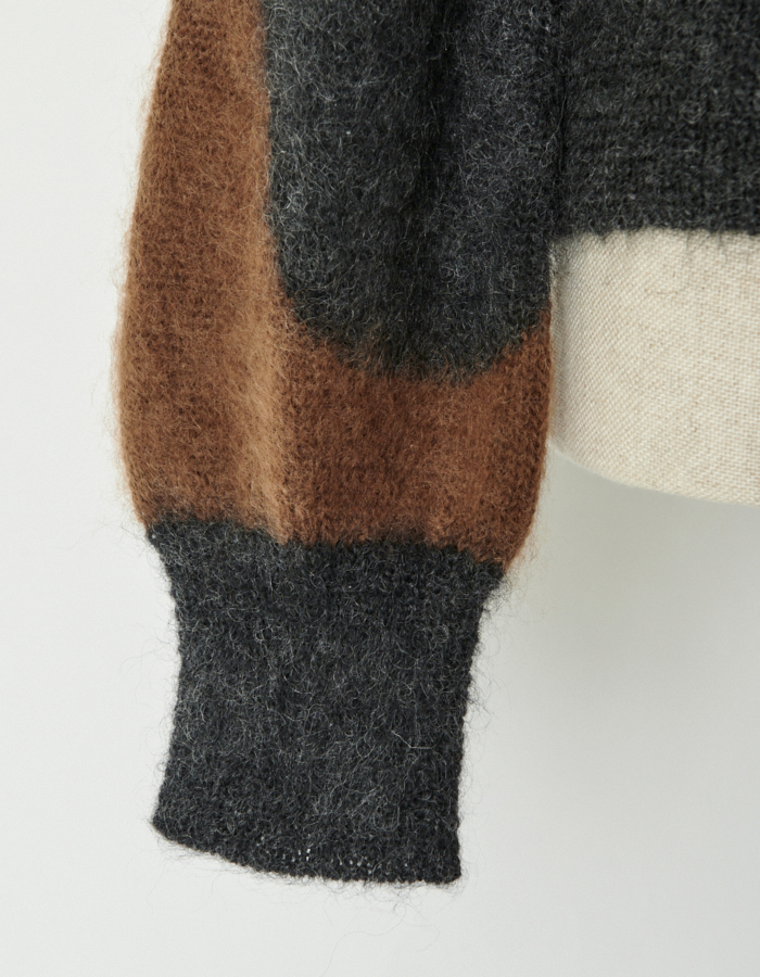 Wave Pattern Mohair Knit / charcoal gray