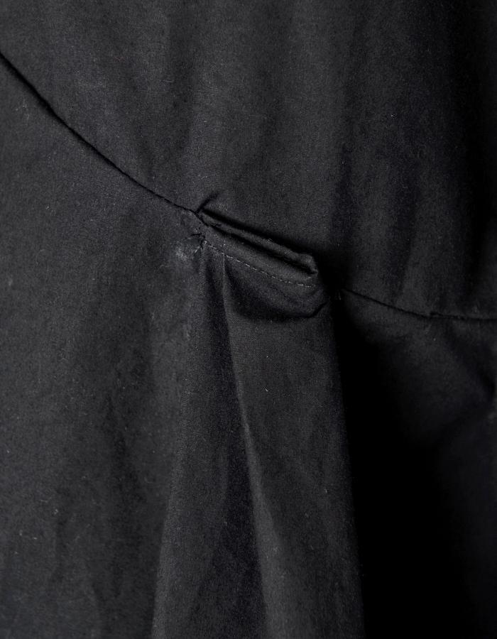 Back Line Print One-piece / black