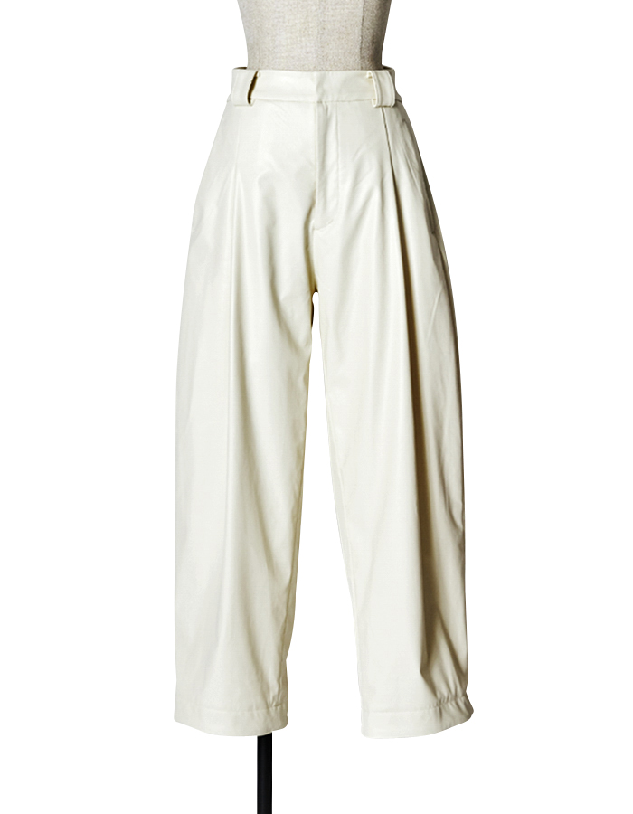 Fake Leather Pants / off white