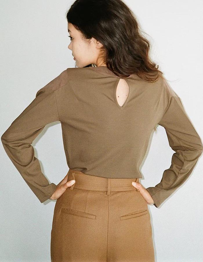 Belt Tuck Wool Pants / camel