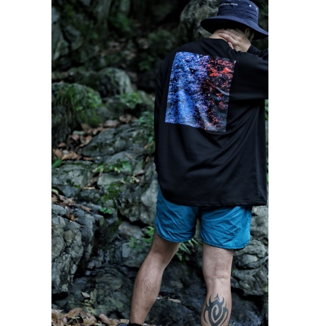 EDGE OUT LONG TEE