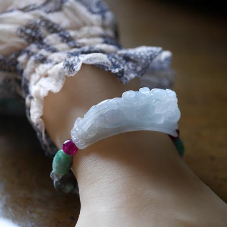 翡翠ピーショーブレスレット 伸縮ゴム製 富と健康のお守り 翡翠 ルビー 天然石  W5019 Mサイズ 送料無料