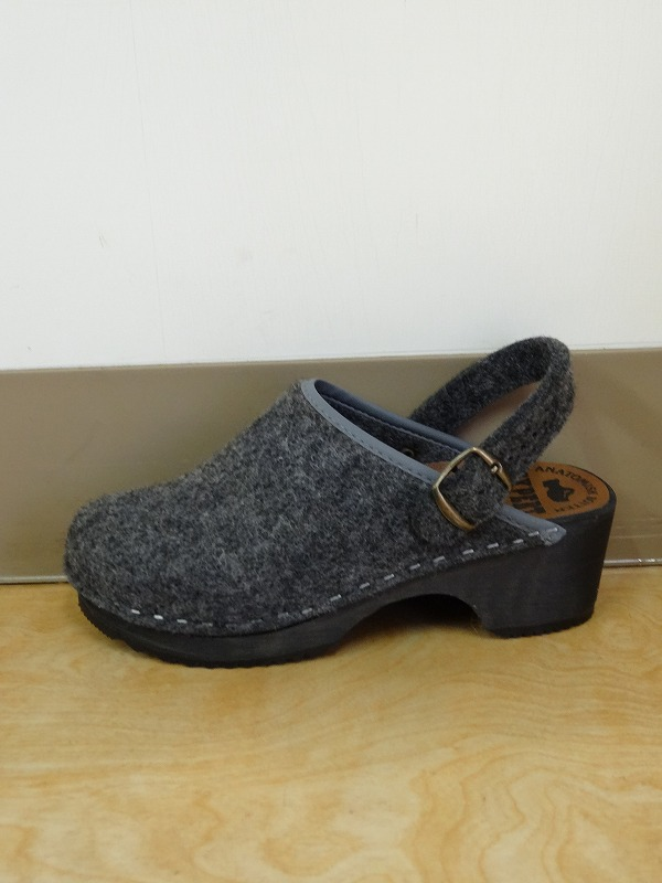 EXPERTエキスパート  FELT REGULAR HEEL CLOGS WITH STRAP