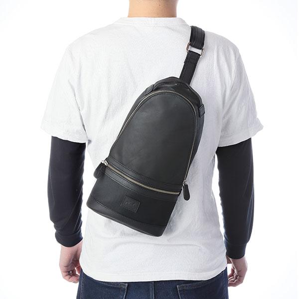 本革レザーバッグ ブラック オイルドレザー×ナイロン