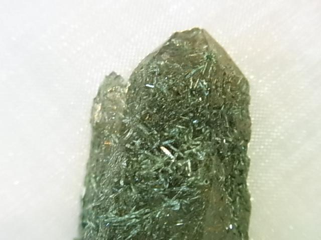 GAJ0011F ルチルスモーキークォーツ原石 エジリン フェルドスパー入り ダブルポイント 南アフリカ産【希少石】