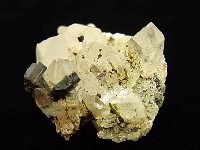 GKM0023N プレナイト・水晶 原石(エピドート付き)
