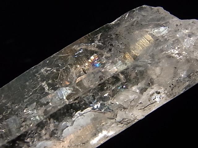 GA00066K チベットクォーツ(稀少石) 水入り 原石
