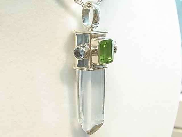 PK00053F レムリア水晶  シルバーペンダントヘッド (ペリドット・ブルートパーズ) 【GEO DESIGN】